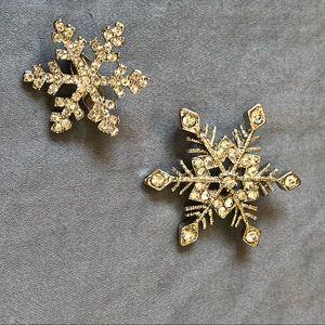 Set of 2 Silver crystal snowflake brooches for Christmas holiday winter season